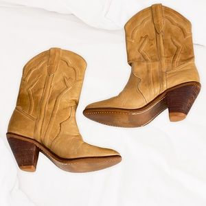 Vintage western boots women's Circle S tan size 8